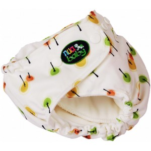 One-size-fits-all cloth nappy set