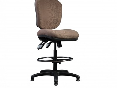 Heavy-duty three lever controlled sturdy office chair